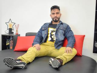 Voir le liveshow de  KalethBigDick de Xlovecam - 29 ans - I am a simple man, hot, passionate, affectionate, tender, I like people who like love tender ...