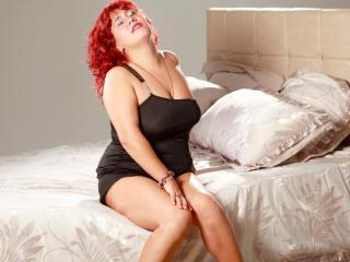 Voir le liveshow de  MagnificentDame de Xlovecam - 37 ans - Masturbation, DP's, Toys, Sound, Moaning, Naughty sex chat, Teasing, Pleasing, Cumming, Ey ...