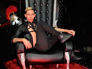 Voir le liveshow de  SpencerBoy de Xlovecam - 23 ans - I am a naugthy ready for play with urs