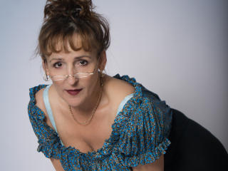 Voir le liveshow de  ClaraFantasy de Xlovecam - 53 ans - My turn ons are self confident men, big cocks, erotic discussions and teasing and lot more, j ...