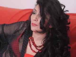 UniqueGirl nude on cam