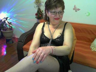 Voir le liveshow de  Hyllda de Xlovecam - 45 ans - Fire lady full of passion..just for yu sweety....pinkpussy,hairy,big tits,nice fcae,rouns ass,what  ...