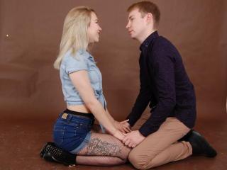 Disfruta de chats de sexo en directo NunDevil de Xlovecam - 18 años - Nous sommes un couple bisexuel qui aime expérimenter,