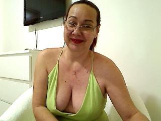JolieFemmeX sexy cam girl