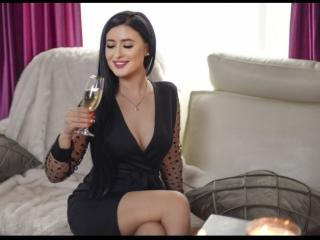 Voir le liveshow de  AdelineeLove de Xlovecam - 24 ans - I'm a friendly, sexy girl that would like to show you her kinky side. Let's know each other ...