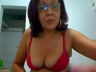 Voir le liveshow de  MaduritaHotX de Xlovecam - 50 ans - I'm still waiting for my romantic prince on white horse to arrive. Are you romantic or lonely ...